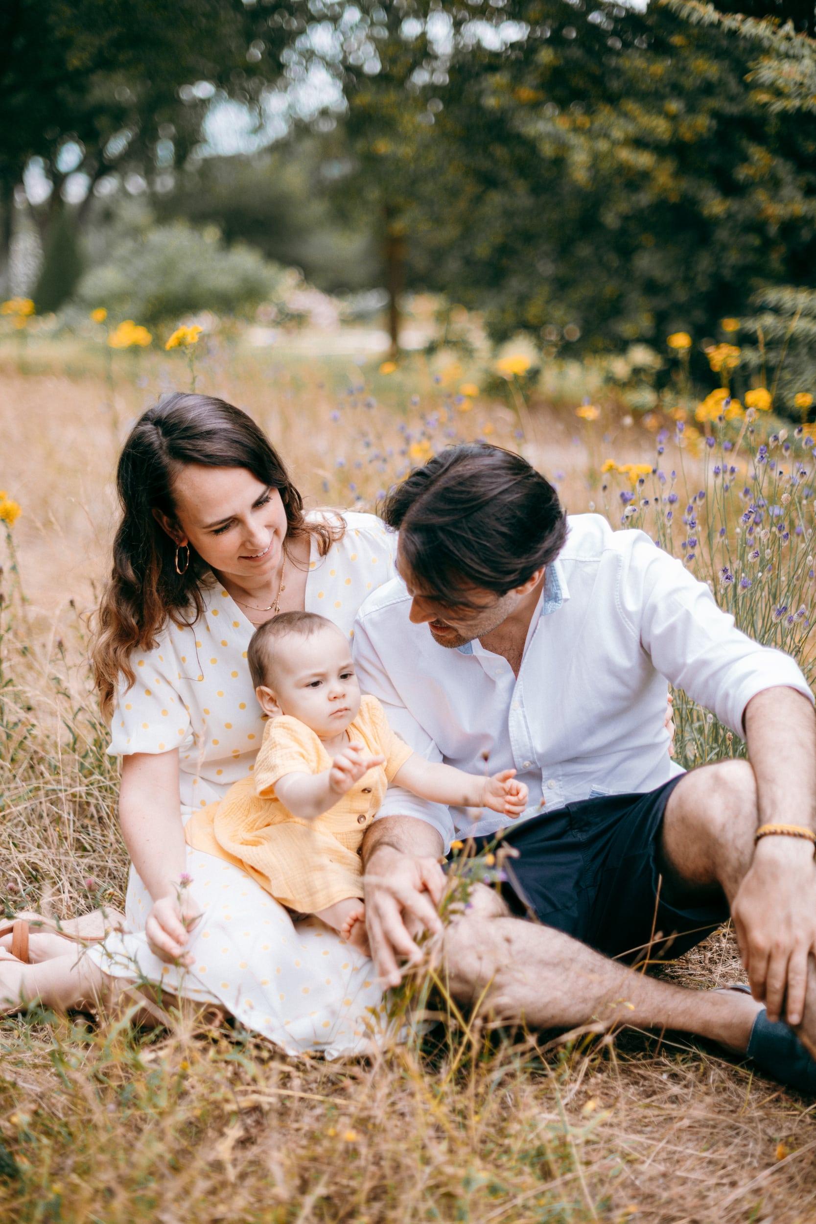 Vero et Andre et Maia-0081Photograhe shooting Famille parc Paris 75016