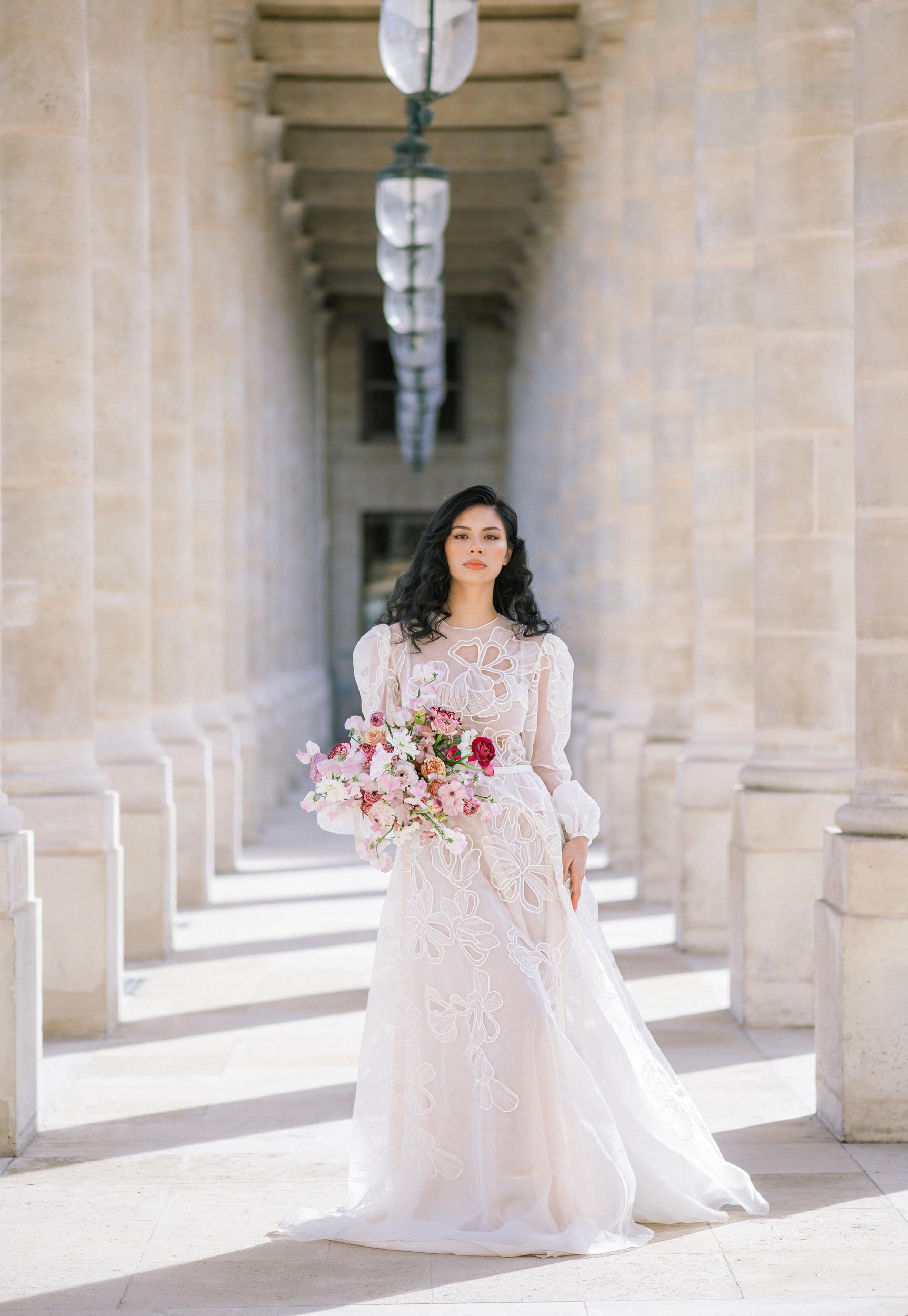 Anais-7891Photographe mariage paris louvre colonne de buren lina raziq