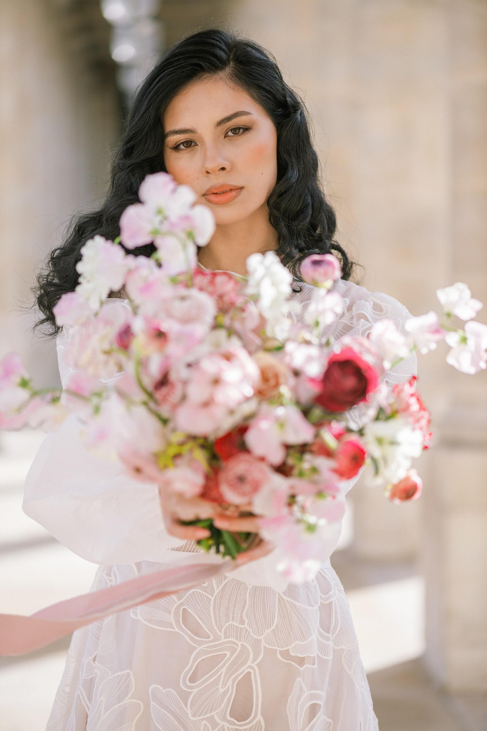 Anais-7903Photographe mariage paris louvre colonne de buren lina raziq
