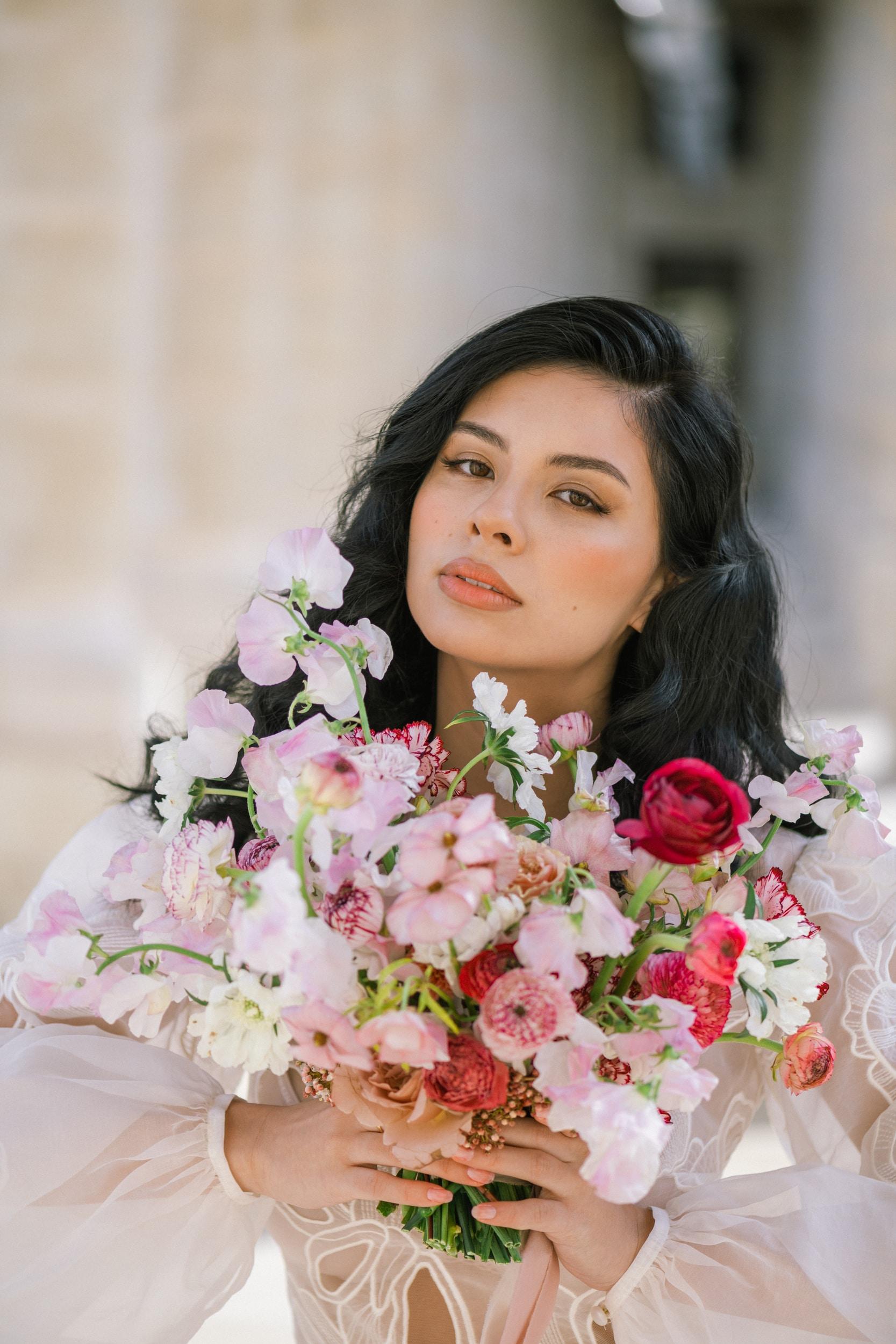 Anais-7905Photographe mariage paris louvre colonne de buren lina raziq