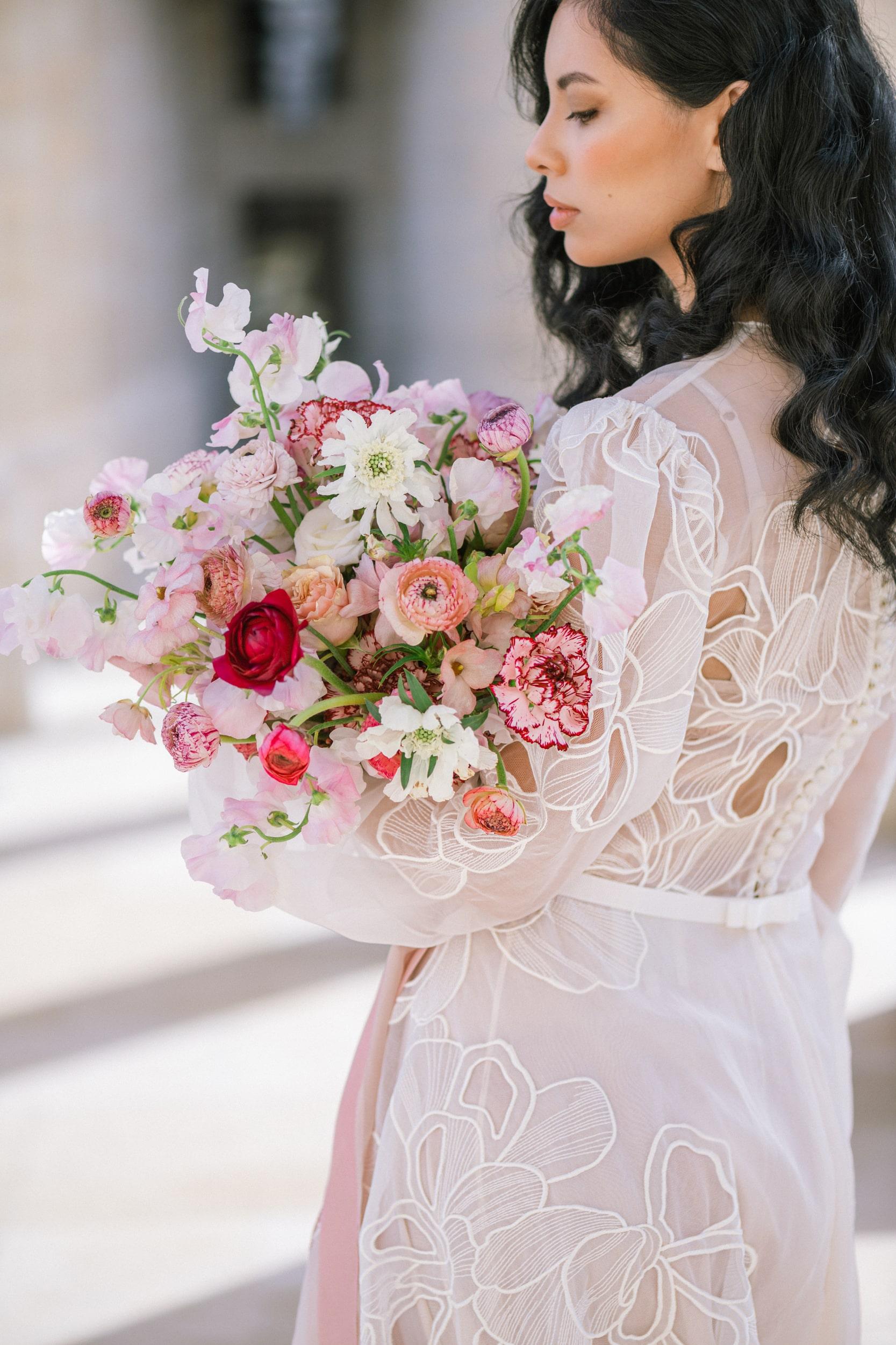 Anais-7912Photographe mariage paris louvre colonne de buren lina raziq