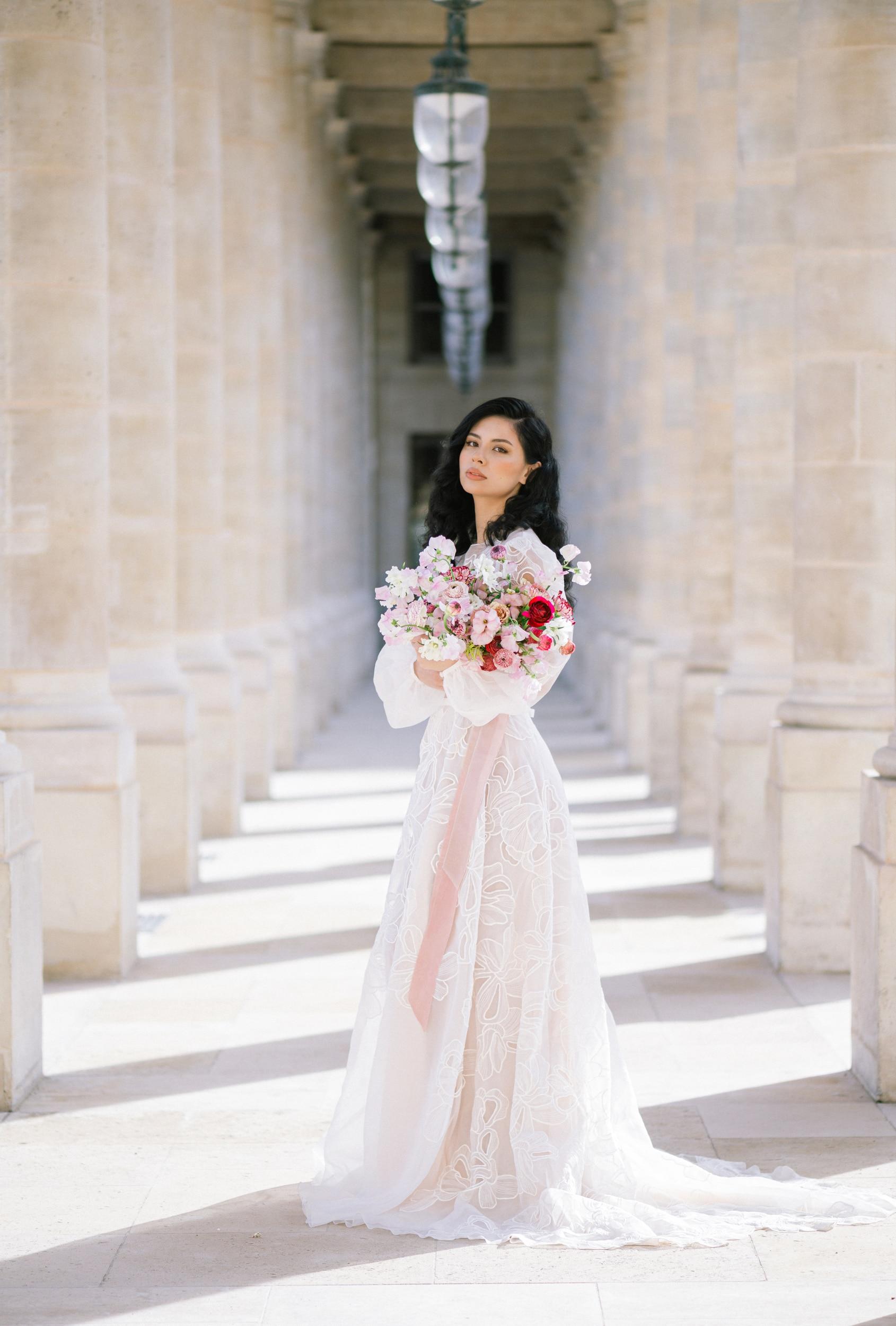 Anais-7920Photographe mariage paris louvre colonne de buren lina raziq