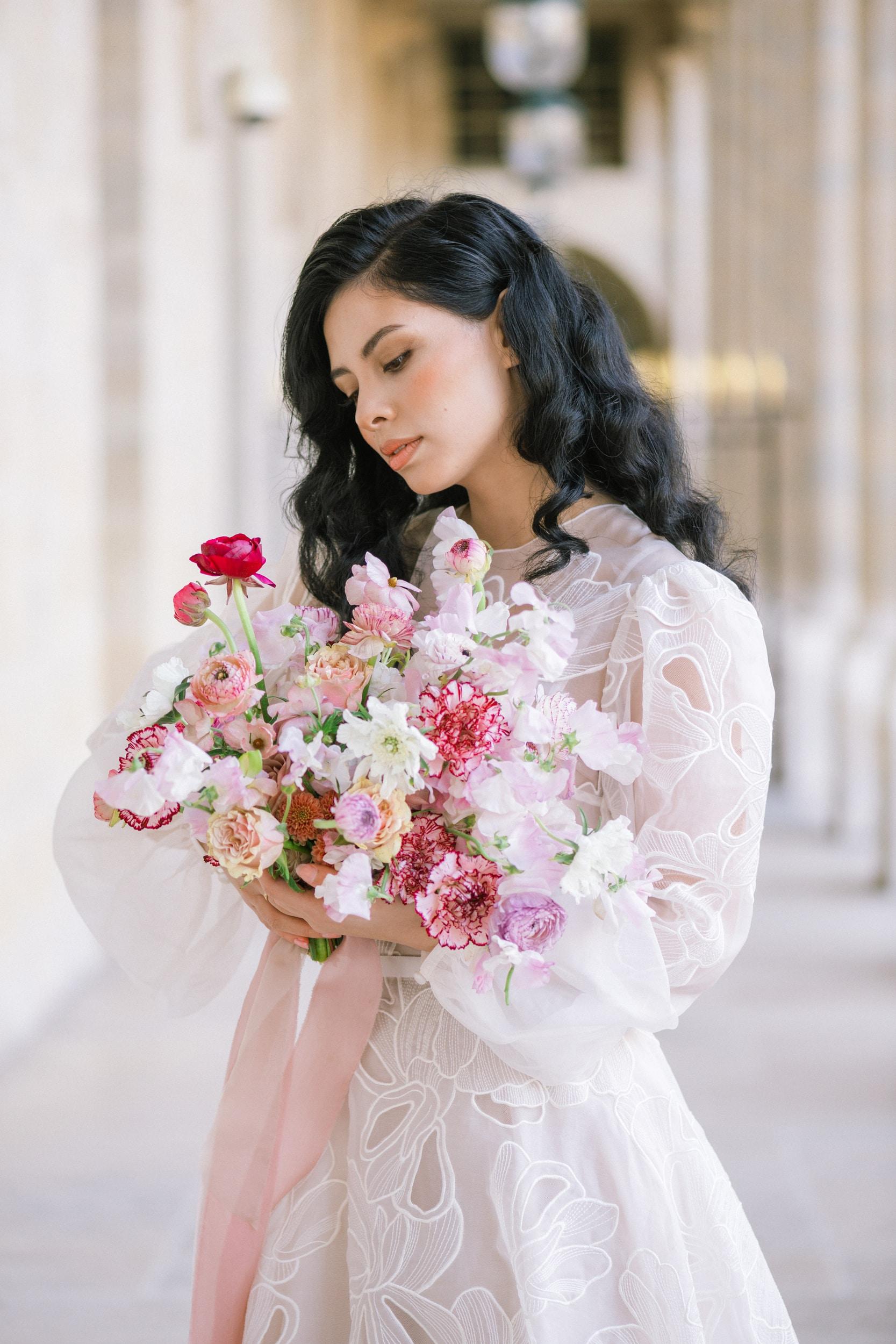 Anais-7999Photographe mariage paris louvre colonne de buren lina raziq