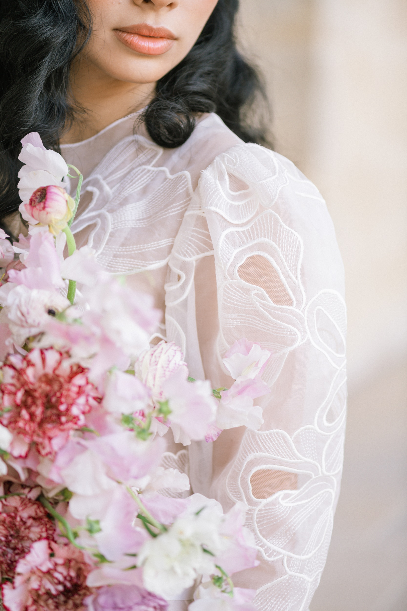 Anais-8013Photographe mariage paris louvre colonne de buren lina raziq